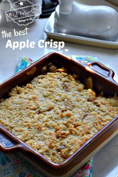 Apple Crisp Recipe - Kid Friendly Things To Do .com - - The best apple crisp recipe with an oatmeal top. It's like an apple pie but so much easier to make. Best served warm with ice cream or whipped topping. Apple Crisp With Oatmeal, Caramel Apple Crisp, Apple Crisp Easy, Apple Oatmeal, Caramel Apples, Best Apple Crisp Recipe, Gluten Free Apple Crisp, Apple Crisp Recipes, Healthy Apple Desserts