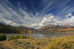 Get The Most From Your Photography With These Helpful Tips. Photography is an amazing media for taking the beauty you see with your eyes and sharing it with others. Twin Lakes Colorado, Colorado Homes, Colorado Rockies, Colorado Mountains, Rocky Mountains, Scenic Photography, Color Photography, Rocky Mountain National Park, Beautiful Places
