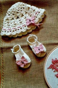 Little Lady Baby Christening Set, Baby Girl Christening Hat & Sandals, handmade crochet hat & sandlas, butterfly pattern I χειροποίητα βαφτιστικά, πλεκτό καπελάκι, πλεκτά σανδάλια, πλεκτές πεταλούδες