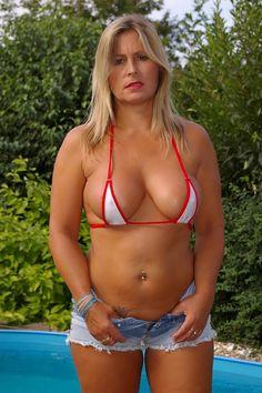 free sexy pic of bikini babes