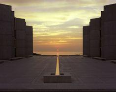 Salk Institute for Biological Studies / Louis Kahn (1959)