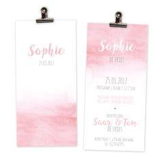 Het geboortekaartjes 'Sophie' is eenvoudig, dromerig en romantisch; maar toch hip! De print komt mooi tot zijn recht op het structuurpapier wat een luxe uitstraling geeft. De illustraties zijn met de hand getekend. Neem snel een kijkje op de website: www.mijksje-geboortekaartjes.nl Mijksje | design | illustratie | waterverf | aquarel | geboortekaartje | geboortekaartjes | birthannouncement | babybirth | baby card | babygirl | girl | little | scandinavian | eenvoudig | scandinavisch | roze