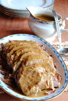Roasted veal in cream – arrosto alla panna - Cucinando X I Love Food, Good Food, Beef Skillet Recipe, Meat Recipes, Cooking Recipes, My Favorite Food, Favorite Recipes, Fish And Meat, Best Italian Recipes