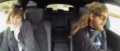Se suben a un coche con un mecánico que conduce como un loco y resulta ser Sebastian Vettel - http://dominiomundial.com/se-suben-un-coche-con-un-mecanico-que-conduce-como-un-loco-y-resulta-ser-sebastian-vettel/