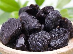 This liver cleanse that we are suggesting you dramatically improves digestion which is the basis of good health and you can expect Irish Cream, How To Stay Healthy, Health And Beauty, Food To Make, Blueberry, Detox, Vegan Recipes, Fruit, Nordic Interior