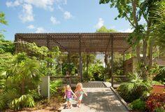 Galeria de Centro de Visitantes do Jardim Botânico de Naples / Lake Flato Architects - 1