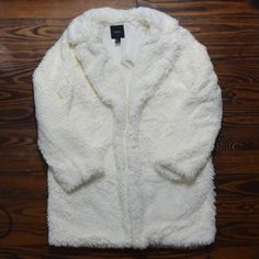CREAM FURRY CAR COAT BRAND NEW NEVER WORN  NO TRADE  ‼️PRICE FIRM‼️ Forever 21 Jackets & Coats