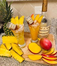 Mixed Drinks Alcohol, Party Drinks Alcohol, Liquor Drinks, Alcohol Drink Recipes, Punch Recipes, Summertime Drinks, Summer Drinks, Fun Drinks, Beverages