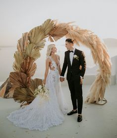 Love It or Leave It: Experts Weigh In On The Trends They Hope Stick Around in 2020 - Green Wedding Shoes Wedding Trends, Boho Wedding, Destination Wedding, Dream Wedding, Wedding Ideas, Wedding Details, Wedding Stuff, Wedding Planner, Outdoor Wedding Reception