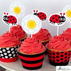 Lady Bug Birthday Party Package by Owlie powlie DIY editable party printables, simply edit the name & age, print, cut and party! First Birthday Cakes, 1st Birthday Girls, 4th Birthday Parties, Baby Shower Cards, Baby Shower Parties, Shower Party, Baby Showers, Ladybug Cupcakes, Ladybug Party