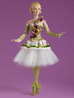 Spring Flowers Tonner Ballet  42.25.3  http://puppet-master.com - THE VENTRILOQUIST ASSISTANT