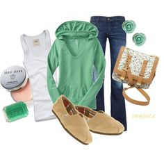 Cute outfit except for the ugly shoes....I'm SO sorry for saying that to all of you who love them.