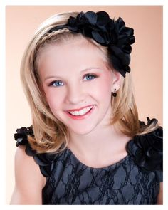Paige Hyland from Dance Moms! I have to say I'm paige hylands fan Dance Moms Facts, Dance Moms Dancers, Dance Mums, Dance Moms Season 2, Mom Season 1, Dance Moms Paige, Dance Moms Girls, Mackenzie Ziegler, Maddie Ziegler