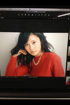 小島瑠璃子 @ruriko_kojima  2013年12月21日 風入れてるみたい!さすがおすぎさんー♡ RT @hm_sugisan: viviの、小島瑠璃子ちゃん可愛いよ♡ この日はファッション誌っぽく仕上げて、ちょっと大人にこじるりに。