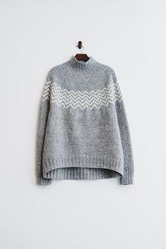 Crochet Patterns Sweter Ravelry: Monochrome sweater pattern by Katrin Schneider Fair Isle Knitting, Hand Knitting, How To Purl Knit, Pulls, Ravelry, Knitting Patterns, Crochet Patterns, Knitwear, Knit Crochet