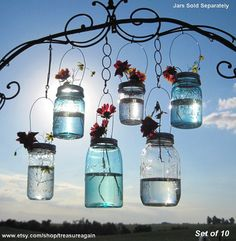 DIY mason jars w/ flowers for that perfect touch to that beautiful country wedding