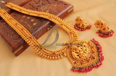 How To Clean Gold Jewelry With Baking Soda Antique Jewellery Designs, Gold Earrings Designs, Gold Jewellery Design, Necklace Designs, Antique Jewelry, Gold Designs, Antique Necklace, Antique Gold, Silver Earrings