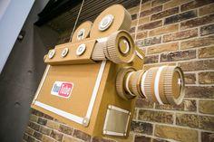 Camcorder from a cardboard box for children กล่องกระดาษ Cardboard Camera, Cardboard Box Diy, Cardboard Sculpture, Cinematography Camera, Diy Tv, Toy Craft, Miniture Things, Event Decor, Diy For Kids