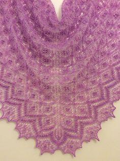 Ravelry: jeronymo's Birds' nest shawl