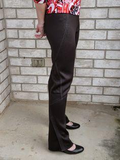 Amanda's Adventures in Sewing: Vogue 1378 - Black pants in embossed knit