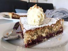 Post: Tarta de almendra y mermelada --> hojaldre con almendra y mermelada, recetas delikatissen, recetas postres fáciles, tarta con mermelada, tarta de almendras, tartas con hojaldre, tartas fáciles, tartas frutos secos, tartas rápidas
