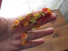 Autumn Leaves   #sonbahar #pencere #gulipeksanat #diorama #model #autumn #leavers #colors #mini #tiny #collection #handmade # mukavva #paperart #art #artist #canon #photo #vintage #windows