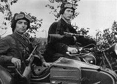 Lieutenant Krustov and Corporal Bochkarev of the Russian army take a motorcycle and sidecar on a reconnaissance mission. 1942 - pin by Paolo Marzioli