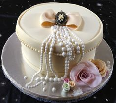 Vintage Cake, from Ninis Sweet Creations