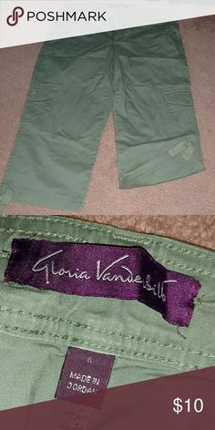 Green Capri pants Good condition. BOGO free anything marked 🎆🎆🎆 Gloria Vanderbilt Pants Capris