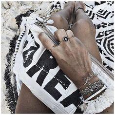 WEBSTA @ audreylombard - Cette année, contrairement à d'habitude, j'ai gardé mes bijoux à la plage ... Et aucun n'a bougé 🙌🏻✨• Ring #elisetsikis (from @shopinsidecloset)• Ring #pascalemonvoisin (from @pascalemonvoisin)• Ring #feidtparis (from @feidtparis)• Bracelet #atelierpaulin (from @atelierpaulin)• Bracelet #segoli (on @lebaravernis)• Bracelets #redline (from @redline_univers)• Bracelet #elisetsikisparis (from @shopinsidecloset)...