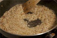 Ριζότο: H βασική συνταγή Breakfast Recipes, Snack Recipes, General Tso, Allrecipes, Quinoa, Easy Crafts, Risotto, Rice, Baking