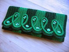 Katia Ribeiro Moda & Decoração Handmade: Carteira em crochê com receita e gráfico por Izabel Bonatti