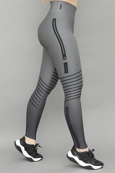 Sporty Outfits, Cute Summer Outfits, Fashion Tights, Fashion Outfits, Ladies Gym Wear, Sports Leggings, Women's Leggings, Gym Clothes Women, Workout Attire