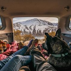 camping with dogs beautiful scenery beautiful mountains outdoor van life tu Adventure Couple, Life Is An Adventure, Adventure Travel, Adventure Tumblr, Adventure Tattoo, Adventure Time, Camping Photography, Dog Photography, Camping Life