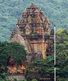Místicas torres Cham, ubicadas en Nha Trang, Vietnam