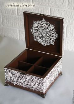 Wooden Box Crafts, Painted Wooden Boxes, Hand Painted, Dot Art Painting, Painting On Wood, Decoupage Box, Quilling Designs, Card Box Wedding, Wood Ornaments