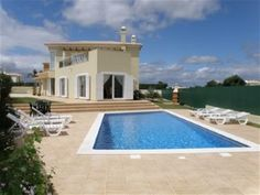 4 bedroom house in Albufeira e Olhos de Água, Algarve #travel #portugal #foremostpropertygroup