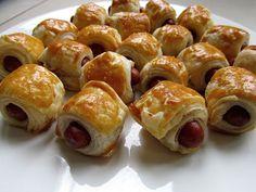 Sim kookt: Knakworstjes in bladerdeeg - Lilly is Love Tapas, Brunch, Dutch Recipes, Snacks Für Party, Antipasto, Finger Foods, Food Inspiration, Kids Meals, Food Presentation