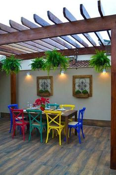 Meu canto preferido: 5 ambientes com móveis coloridos - en 2020 Pergola Designs, Patio Design, Garden Design, Outdoor Pergola, Backyard Patio, Outdoor Decor, Pergola Kits, House Plants Decor, Plant Decor