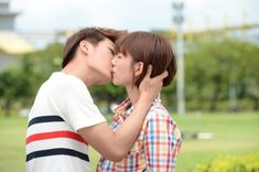 Guo Xue Fu adorably nervous kissing Aaron Yan for Just You