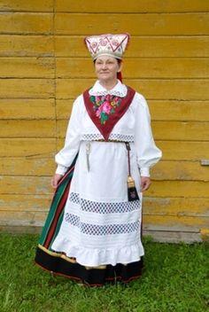 Reigi, island Hiiumaa, West Estonia  Eesti Rahvarõivad > Reigi naine