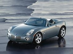 Pontiac Solstice= Dream Car. Too bad they don't make it anymore :'(