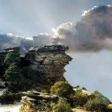 Pedra da Bruxa - São Thomé das Letras - A Pedra da Bruxa está localizada dentro do Parque Municipal Antônio Rosa - Minas Gerais -Brasil