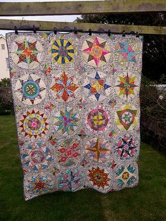 about the Camelot quilt because it is done. With the four extra blocks I added it's an ample single bed size Entirely hand-pieced . Circle Quilts, Star Quilts, Scrappy Quilts, Quilt Blocks, Quilt Stitching, Applique Quilts, Hand Quilting, Modern Quilting, Sampler Quilts