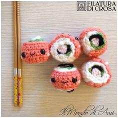 Portachiavi sushi realizzati con filato Zara Plus Filatura di Crosa…