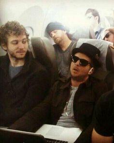 Love the face of brent he is thinking: R u sleep ryan? Ryan Tedder, Onerepublic, Music Stuff, Cute Guys, Cool Bands, Tv Shows, Fandoms, Sleep, Artists