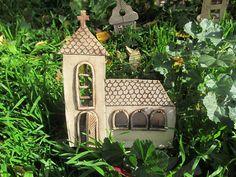 Kostelík s jedním oknem