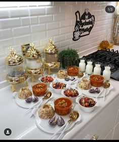 Afghanistan Food, Catering Food Displays, Ice Pop Recipes, Breakfast Table Setting, Eid Food, Chocolate Dipped Fruit, Snap Food, Food Decoration, Food Platters