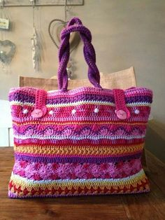 AH Tas. No pattern, only inspiration Free Crochet Bag, Crochet Tote, Crochet Handbags, Crochet Purses, Love Crochet, Knit Crochet, Handmade Handbags, Handmade Bags, Knitted Bags