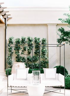 Get advice on how to choose and care for the best plants depending on the climate, season, and space — whether you have a small patio or several acres. Plus, steal ideas to create a gorgeous landscape that complements your lush garden. Outdoor Living Rooms, Outdoor Spaces, Outdoor Decor, Outdoor Furniture, Exterior Design, Interior And Exterior, Architecture Design, Landscape Architecture, Raised Bed Garden Design